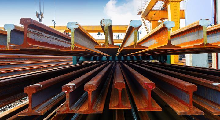 اولین محموله تیرآهن H30 ذوب آهن اصفهان به خریدار تحویل داده شد