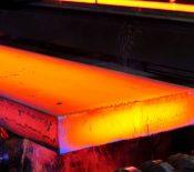 تورم بازار فولاد در رشد شدید نقدینگی و فشار تحریم ها